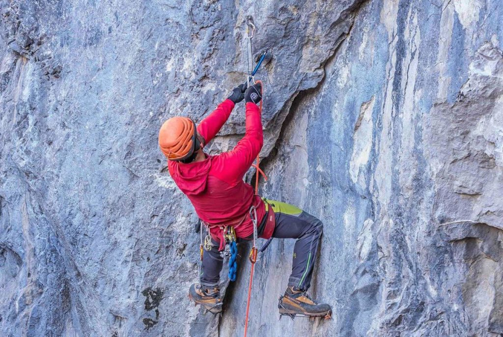 The Playground, IceLines, Canmore, Grotto Mountain, drytooling, Brent Peters, Mikey Stevenson, Single Malt, Banff, iceclimbing, guiding, Canadian Rockies